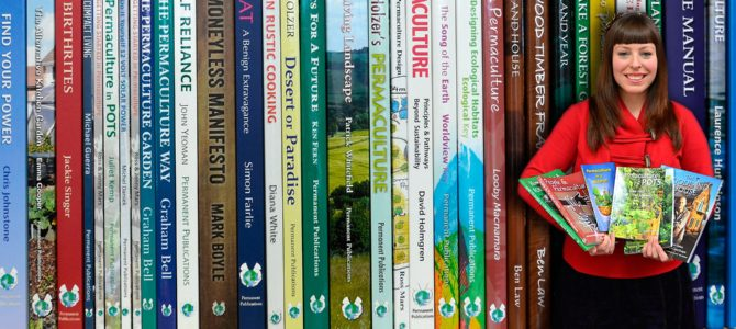 Permaculture Magazine feirer 25 år med super tilbud på permakulturbøker!